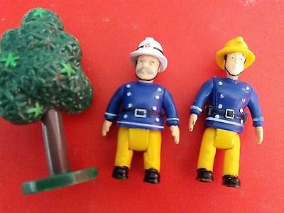Fireman Sam  Elvis and Station Officer Steele With Tree  599