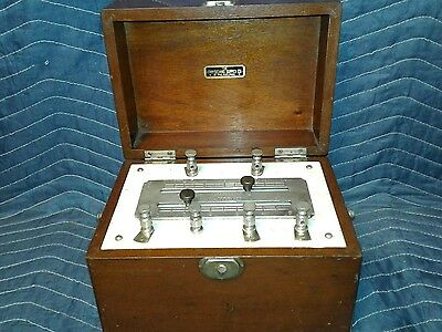 Antique 1890 Medical Battery Physicians Supply Co. Electro Shock Quack Machine