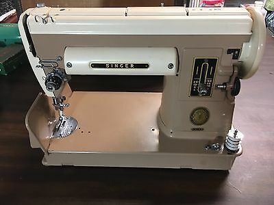 Singer 301 with Original trapezoid case and button holer