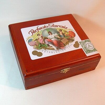 Wood Cigar BOX Perfecto Garcia NICARAGUA Dovetail RED CEDAR FINISH Color Graphic