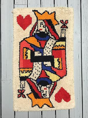 VINTAGE Mid Century QUEEN OF HEARTS Wool throw rug wall hanging AWESOME 43x26