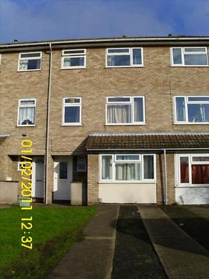 Investment Student Property 5 Bedroom - Prime location - Very Rarely available