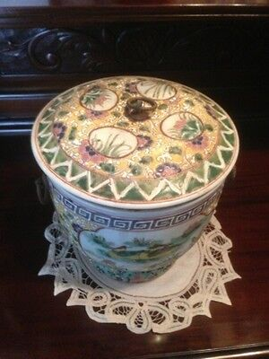 Rare Antique Large Chinese Porcelain Famille Rose Pot Signed (No: 1)