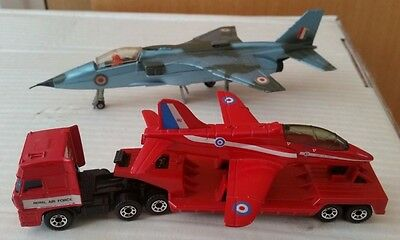 Dinky Toys SEPECAT Jaguar, Matchbox daf with Red Arrows Hawk - Lot 9A