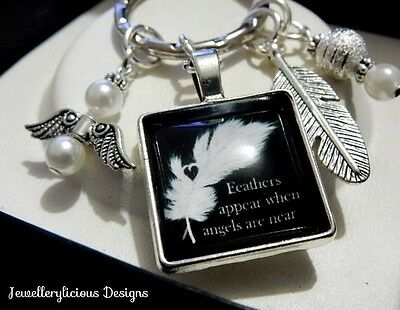 Beautiful FEATHERS APPEAR WHEN ANGELS ARE NEAR Angel Feather Charms Keyring