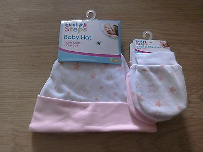Baby Scratch Mittens and Hat (Pink and White)