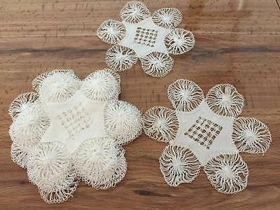 12 Lovely Antique Hand Made Hairpin Lace Cocktail Coasters / Doilies Unused NR