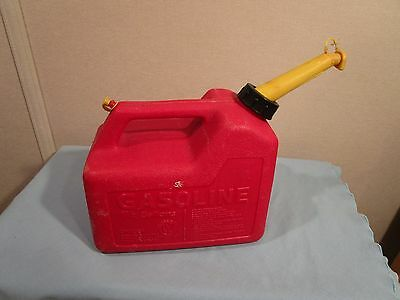 Vintage Red Gas Can 1 1/2 Gallons