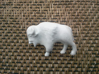 Good Luck Item WILD WEST ZOO ANIMAL JEWELRY 1 WHITE BUFFALO BISON PIN ALL NEW.