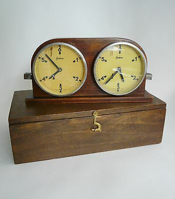Early 20th century chess clock- Omikron, Made in Hungary Case & chess flag- Rare