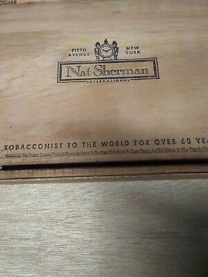 FIFTH AVENUE NEW YORK: (Nat Sherman) Wood Cigar Box: Collectible, Sovereign