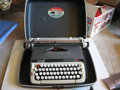 Vintage Smith-Corona Classic 12 Manual Typewriter With Case and Manual   Working
