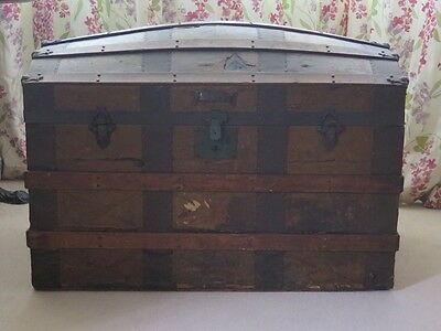 Travelling/shipping Trunk