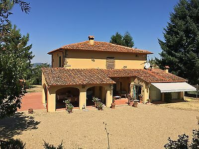 Fantastic Genuine Tuscan Villa With a Large Pool In Wonderful Tuscany In Italy