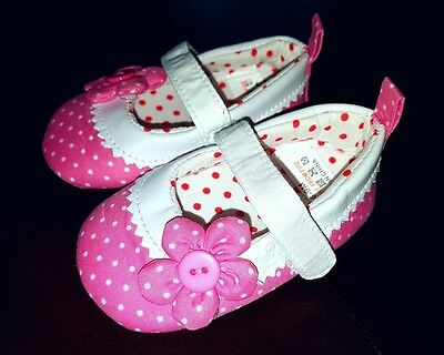 New Baby Girls Pink White Floral Velcro Shoes Booties Boots Size 6-9 Months