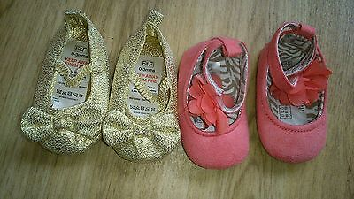Pair of baby girls pram/buggy soft sole shoes. Nwot