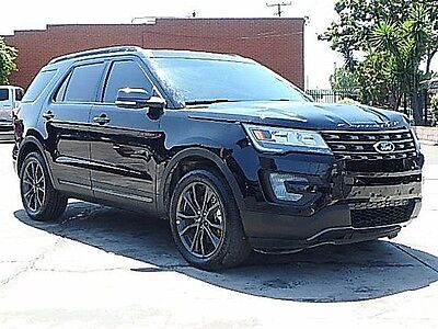 2017 Ford Explorer XLT 2017 Ford Explorer XLT Wrecked Clean Title Only 3K Mi Loaded w Options Must See!