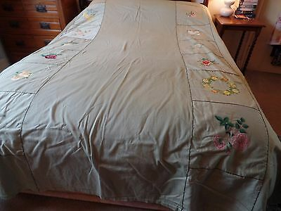 Vintage 1940's Double Handmade Cotton Bedspread Throw Embroidered Vgc