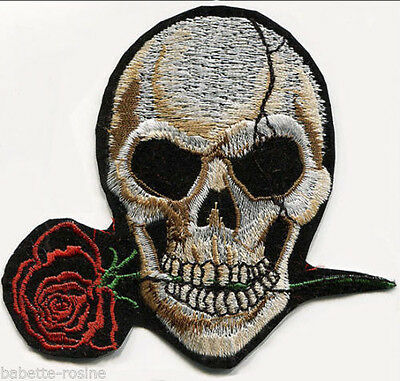 ÉCUSSON PATCH APPLIQUE thermocollant ** 9,5 x 10 cm ** TÊTE de MORT ROSE ROUGE