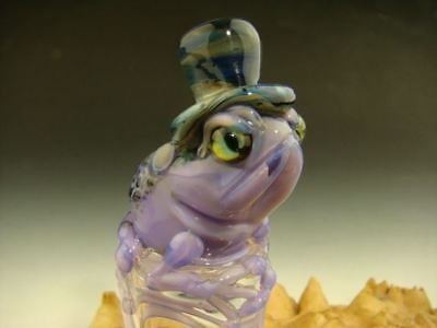 Glass Art Purple Frog On Ice with Top Hat Paperweight Sculpture Figurine Mazet