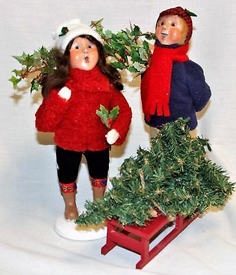 Byers Choice Winter Decorating Boy & Girl Carolers w/ Garland Tree Sled - 2017