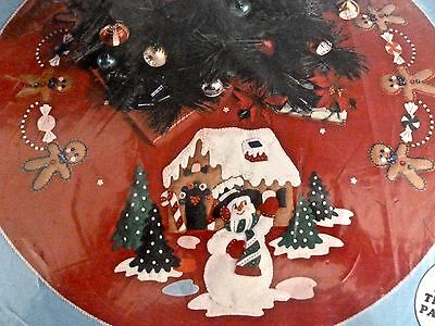 "Design Works Tree Skirt Kit Snowman Welcome 36"" 5205 Gingerbreadman Candy Sealed"