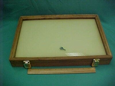 Small Oak Wood and Glass Tabletop Display Case Jewelry Coins Knives Locks w/Key