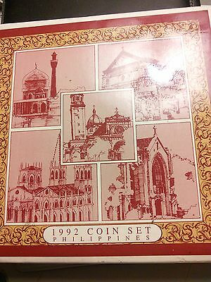 1992 Philippine Coin Set in  Original packaging 8 coins