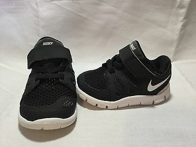 Nike Free 5.0 Infant/toddler Boys Black/white Shoes~size 4 C