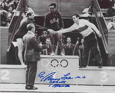 Sammy Lee Autographed 8x10 Photo - Olympic Metal Stand