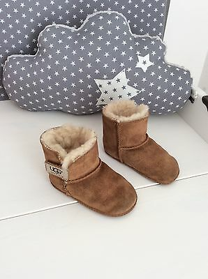 Fameux chaussons boots mixtes UGG S/N 5202 Pointure USA M (22-24)