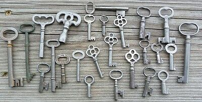 25 Assorted Antique Keys Furniture  Padlock  Skeleton Mortise Lock Cabinet