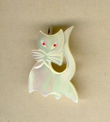 Iridescent Cat Pin Made Of Imitation Mother Of Pearl