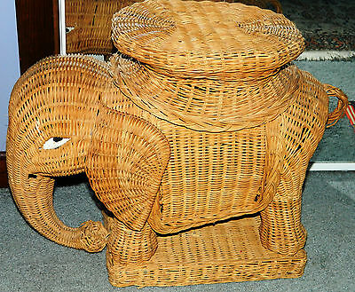 VINTAGE Wicker 1970's Elephant End Table Plant Stand Holder Retro