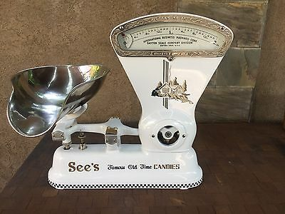 Vintage 1920S Dayton 167  2 Lb Candy Scale W/ Brass Pan Sees Candy Themed