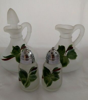 Vintage Set of 2 miniature decanters with salt and pepper shakers