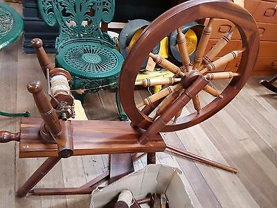 Spinning Wheel With Accessories. Beautiful Timber. Cash On Pick Up.