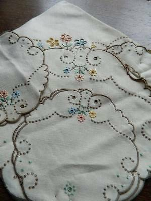 Vintage UNUSED Madeira embroidery table setting - 1 centre, 6 mats & 6 coasters