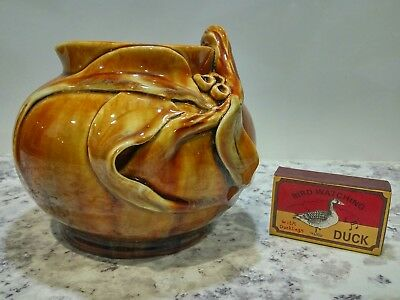 Absolutely stunning Florenz Australian pottery jug with gumnut and leaf design