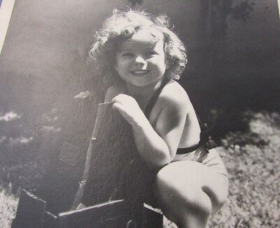 Gorgeous Candid Photo Shirley Temple Young With Camera Smiling Black & White 7x5
