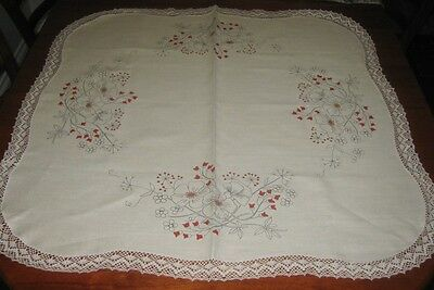 Vintage Tablecloth To Be Embroidered ~ Flowers ~ Linen ~ Square ~ Lace Edged