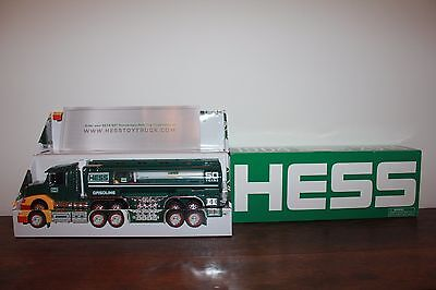 2014 50th Anniversary Hess Collectible Truck (1964-2014)