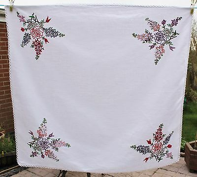Vintage Beautiful White Hand Embroidered Tablecloth - Excellent Condition