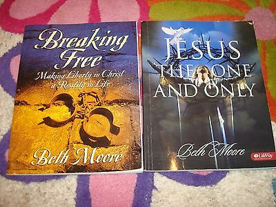 Lot of 2 Beth Moore Study Books, Jesus The One and Only & Breaking Free GOOD