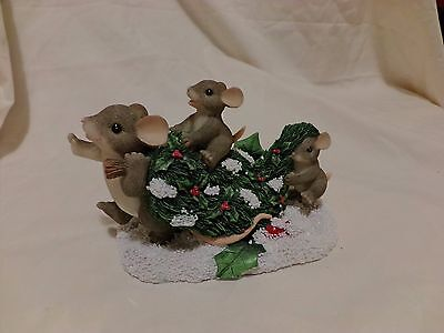 Charming Tails BRINGING HOME THE TREE CHRISTMAS TREE 87/109 DEAN GRIFF (1067)