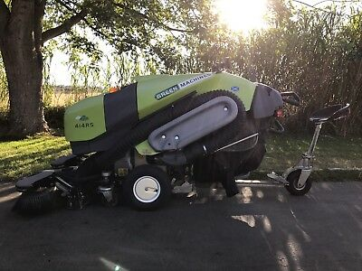 Green Machines 414RS Diesel Street / Sidewalk Sweeper Only 145 Hours!!!