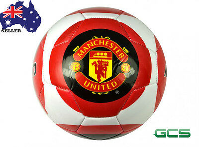 Manchester United 26 Panel Crest Ball - Size 5