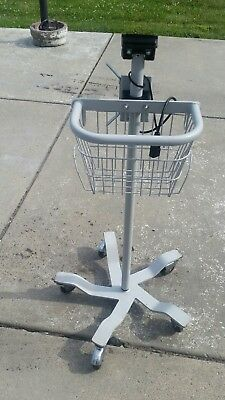 Welch Allyn mobile stand ( perfect condition)