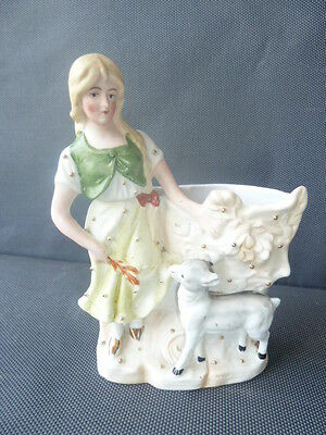 Ancienne statuette en porcelaine biscuit jeune fille French antique