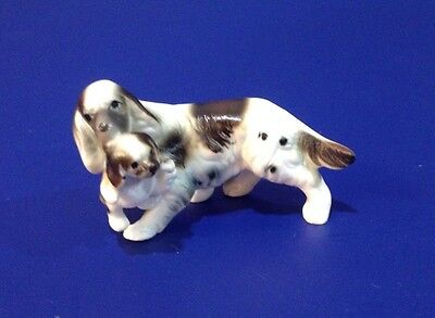 SETTER WITH PUPPY Vintage Bone China Matte Miniature Figurine Animal Dogs Family
